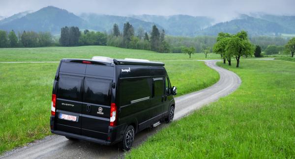 Sunlight Cliff 600 XV. Husbilarna från Sunlight har blivit mycket populära i hela Europa och när företaget nu fyller 15 år firas det med XV-modeller. Vi har tittat närmare på plåtisen Cliff 600 XV.