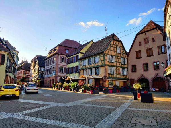 Tomma gator och torg en sorglig syn i Ribeauvillé.