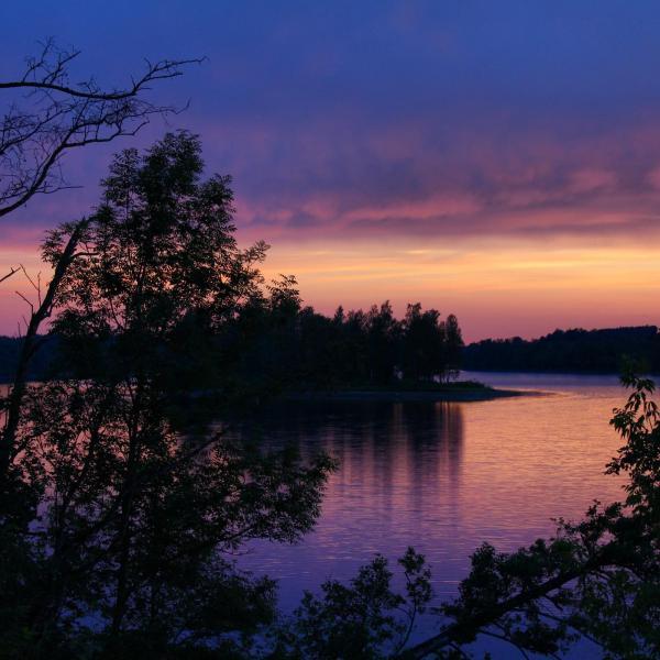 Solnedgång över floden Daugava