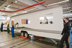 Här byggs din Hobbyvagn - följ med på exklusivt fabriksbeök