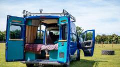 Okonventionella husvagnar och husbilar till uthyrning