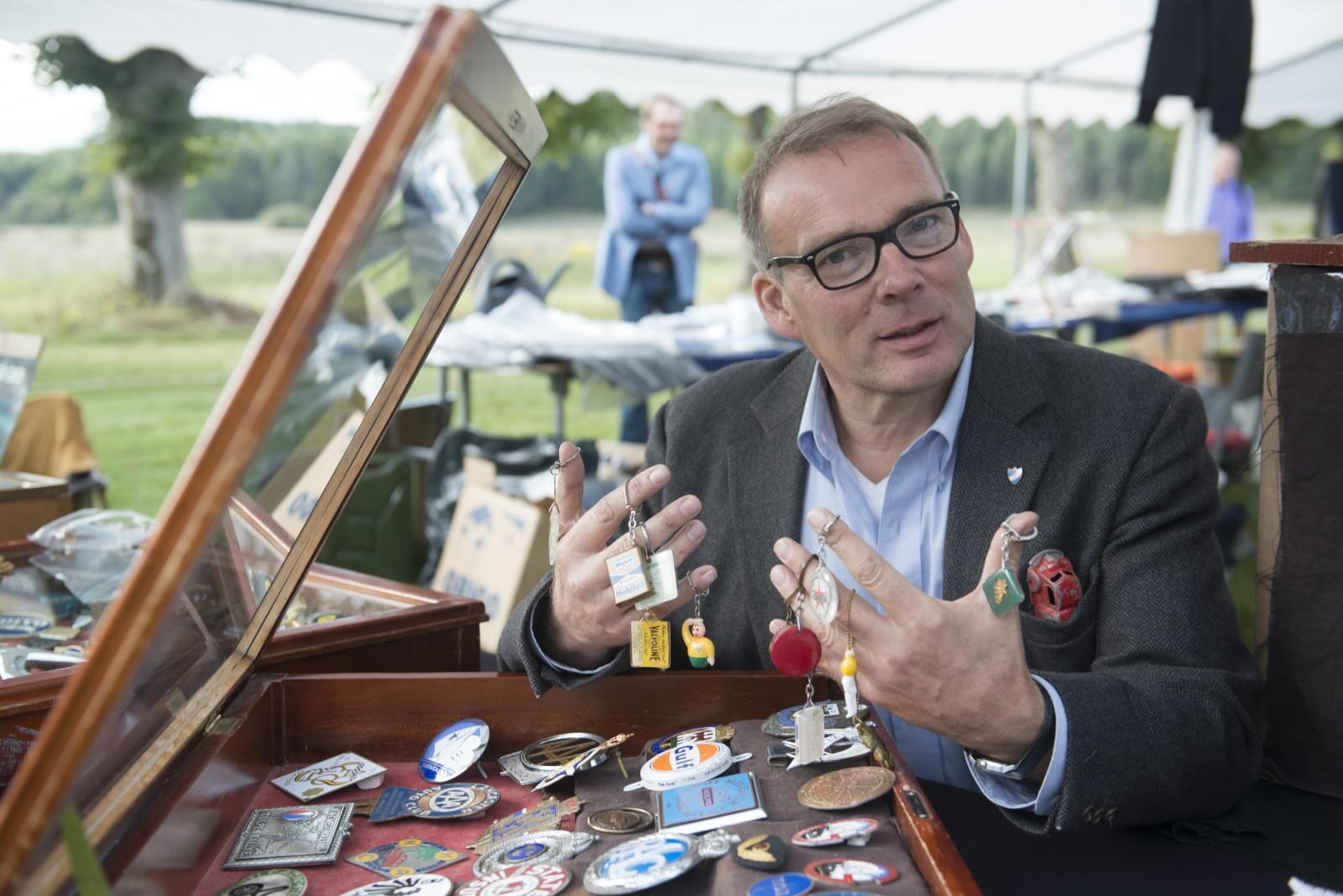 Mats Älfvåg har varit med och arrangerat flera automobiliamarknader tidigare. I samarbete med Good Old Vintage och Fröken Pralin kombinerar han nu motor med mode för första gången.