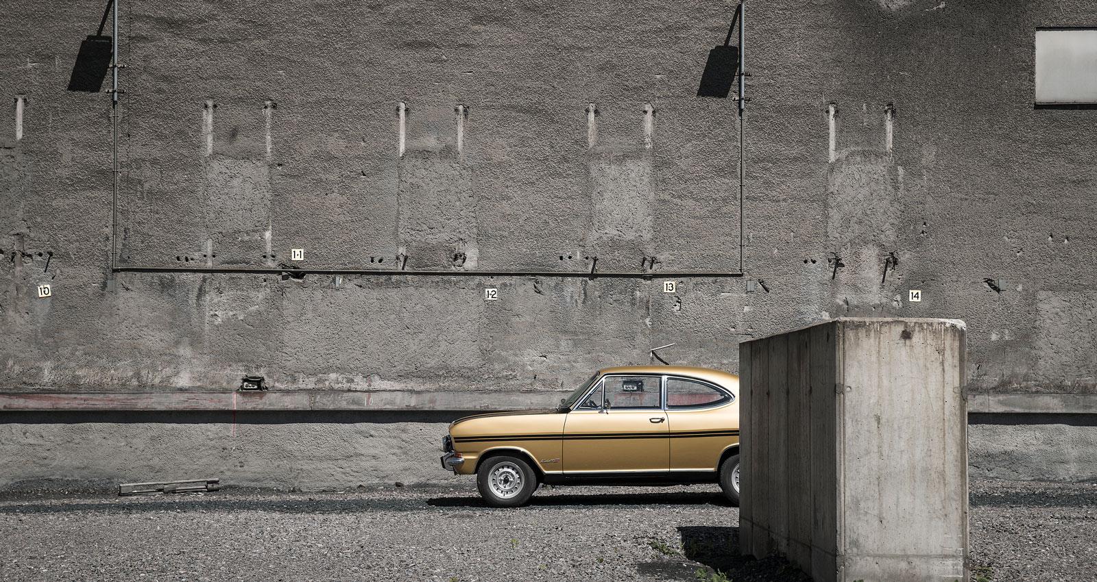 Opel Kadett Rallye 1970 i en ödslig övergiven gruva