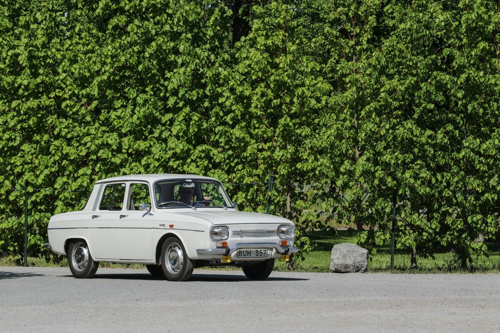 Var sista utvecklingssteget i Renaults svansmotorserie det mest fulländade? Vi kör en bedårande R10.