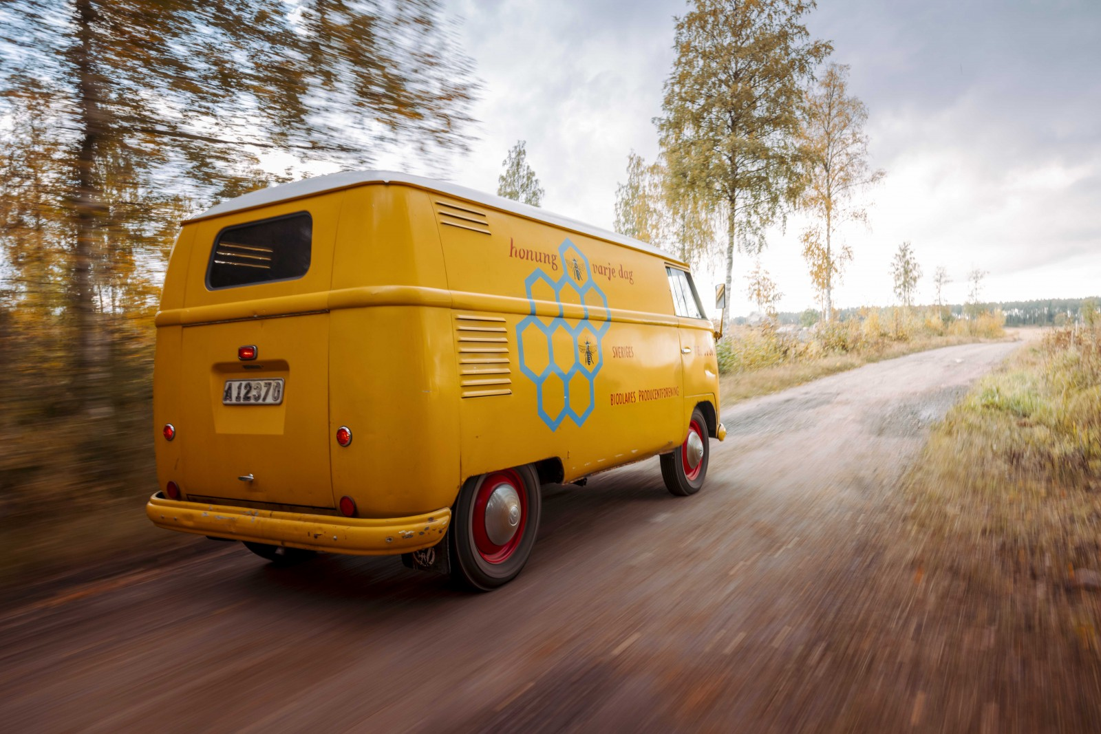 Vi kör en Volkswagen Transport från 1954