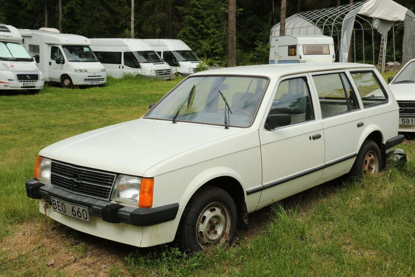En Opel Kadett Caravan 1984 med bara 17,8 mil på mätaren!