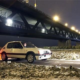Väckt och vräkt Peugeot 205 GTI