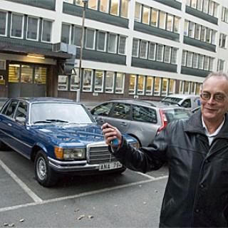 Dr Müller presenterar sig