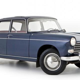 Med Peugeot 404 på Östgötaslätten
