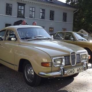 Volvo 262 framför Säteriet