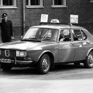 En Saab upp och ned