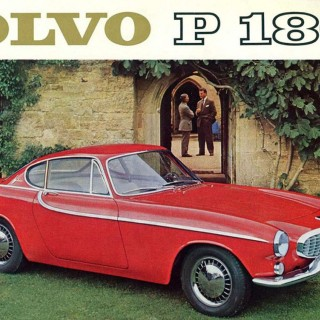 Pelle Petterson kör Roger Moores Volvo 1800 S
