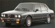 Sista utvecklingen av Alfetta hade färddator och insprutning. Efter flera år med rektangulära strålkastare i Volvostil hade nu toppmodellen dubbla runda. Alfetta ersattes 1985 av Alfa 90 som i mycket byggde på samma kaross och teknik.
