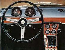 Förarplatsen 1750 Berlina kopierades till stor del när Alfa 156 ritades mer än 25 år senare.