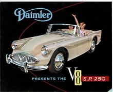 Har man en gång sett en Daimler SP250 gömmer man den inte, linjerna var … karaktäristiska.