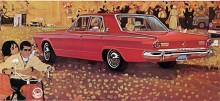 Men hallå, varför har illustratören lagt in en Ford Cortina och en Bedford Van i bilden av Dart 270??? Det är ju konkurrentmärken!