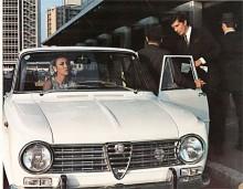 Med bara två strålkastare och mager utrustning fanns 1964 sparmodellen Giulia 1300 med 78 hk. Stod det t.i. på bakluckan fanns det fyra hk till under huven. En Giulia T.I. Super är däremot något helt annat, en lågseriebil 1963/64 för tävlingsändamål.