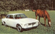 """År 1963 kom Giulia Sprint G.T. - coupé på Alfaspråk. Den var den första i raden av de modeller som brukas kallas Bertone efter formgivaren. Alfa säger dock att den utvecklats """"i samarbete med Bertone"""". En vacker bil var det som tillverkades i olika versioner ända till 1977, men det var bara på 1960-talet de hette Giulia."""