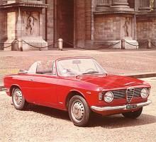 Karossbyggaren Touring konverterade 1000 stycken Sprint till cabrioleter 1965-1966. Resultatet kallades Giulia GTC och kvarvarande äkta exemplar betingar i dag höga priser. En fyrsitsig öppen sportbil!
