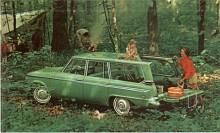 Wagonaire hette den smarta stationsvagnen med skjutbart tak över lastutrymmet. Recessionen 1958 var glömd och V8:an med kompressor och 289 HP från Avanti gick att beställa till Lark, som också vuxit till sig i storlek.