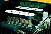 Miuras Weberförgasare (40 IDL 3C1) som ibland kunde brinna. Ferraris samtidiga modeller råkade ut för samma sak men använde samma åtgärder som Lamborghinis ingenjörer för att åtgärda problemet.