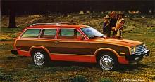 Family values western style. Vilken bil de valde - Pinto Wagon så klart, med trädekor.