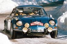 Alpine A110 blev en vanlig syn i tävlingssammanhang. Här körs Monte Carlo-rallyt 1971.