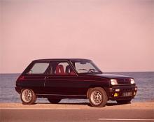 Renault använde Alpine-namnet även på en version av R5. I Sverige sabbade Svenska Renault imagen hos A5 - som aldrig importerades på grund av ovilja och  svenska avgasreningsbestämmelser - genom att utrusta en serie 5TS med A5:ans spoilerstötfångare och dekor. Originalet var bra mycket häftigare: Crossflow hemitopp på 1,4-litersvarianten av stötstångsfyran och en Weber 2-stegare gav 93 hk DIN istället för 64 hk DIN i 1,3-litersvarianten i 5TS