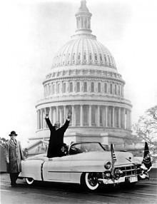 President Eisenhower i en Eldorado -53, den första årsmodellen.