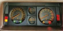 En hastighetsmätare graderad till 320, wow!