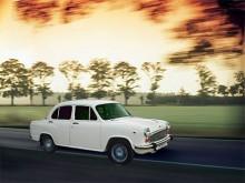 Hindustan Ambassador är en Morris Oxford serie III som sedan 1959 byggs i Indien. Länge var den helt oförändrad men numera har den fått en facelift, knappast till det bättre. Numera har den moderna motorer från Nissan men förbluffande nog kan den ännu också fås med den gamla 1.5 liters dieselmotorn från BMC.