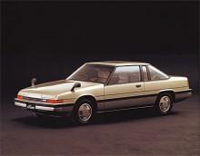 Cosmo av tredje generationen var en betydligt större bil än RX-5 och coupén mer lyxbil än sportbil. Wankelmotorn av typ 13B var densamma som i RX-5.