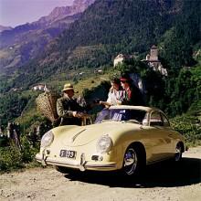 Porsche 356 var den första som fick Carrera. Här syns en 356 A Carrera Coupé.