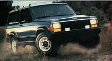När den nya Cherokee XJ kom 1984 fanns den både med två och fyra dörrar.