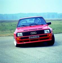 1983 kom den kortade och lättade Sport Quattron. Den 2,1 liter stora turbofemman gav i gatbilsversion 306 hästkrafter vilket gjorde att 0-100 km/h klarades på 4,9 sekunder.