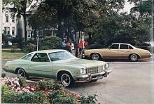 Efter ett uppehåll sedan 1959 återkom Century 1973 som en Intermediary med GMs A-body. På bilden basmodellerna av år 1975. Motorurvalet bestod av en V6 på 231 CID och en V8 (från Chevrolet) på 350CID.