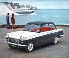 Brittisk spjutspetstekonologi modell 1961,Triumph Herald och Hovercraft. Engelska kanalen trafikerades av svävare som tog passagerare och deras bilar.