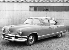 Från Big Three kom 1949 helt nya modeller och då blev det tuffare på marknaden. Kaiser kontrade med en ny kaross 1951. Detta är en -52:a som tagit över namnet Manhattan från nedlagda Frazer.