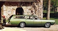 1969: Polara är inne på sin fjärde och sista generation. Fuselage kallades stylingen skulle föra tankarna till flygplanskroppens trygga kokong. Polara fanns i en rad olika karossvarianter, däribland stationsvagnen.
