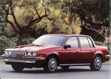 Nästa generation Skylark kom 1986 och var en fyradörrars version av den 1985 nya, framhjulsdrivna Somerset Regal som 1986 bytte namn till enbart Somerset för att inte förväxlas med den bakhjulsdrivna Regal, glasklart eller hur?