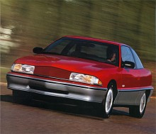 Den sista generationen Buick Skylark för den här gången tillverkades modellåren 1992-1998. Den var tänkt för en yngre publik och hade ganska säregen styling. Plattform delades med Oldsmobile Achieva och Pontiac Grand Am.