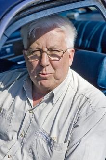 Erik Aronsson från Hedemora vårdar sin fars gamla Chrysler. Jag säljer den aldrig! säger han med övertygelse.