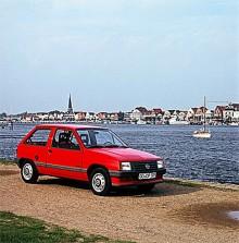 Opel Corsa A delade mycket teknik med den större Kadett.