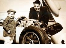 Mike Cooper tillsammans med sin far John Cooper.