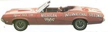 """Mercury Cougar hade initialt en vida överlägsen framtoning av elegans än systermodellen Ford Mustang. Här 1969 års cabrioletversion som """"Offial Pace Car"""", ett ärofyllt uppdrag."""