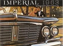 1963 var sista året för den samtida bilvärldens vildaste lyktarrangemang. Dubbla fristående huvudlyktor överhöljda med krom och försedda med hundratalet kylflänsar bildade flanker åt den imposanta grillen.