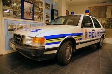 Saab 9000 1988 som står på det som tidigare var Polistekniska museet. Tyvärr får inte museet visas för allmänheten längre.