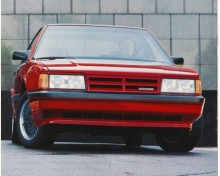 Namnet Monaco återkom 1990-92 på Dodges version av en bil övertagen från AMC, nämligen den på teknik från Renault byggda Eagle Premier. Precis som denna blev Dodge Monaco i sin anonyma stil en flop på marknaden men vi kan lägga till den på listan över bilmodeller som haft den beryktade PRV V6-motorn utvecklad av Peugeot, Renault och Volvo.