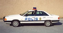 En Audi som polisbil! Den här 100 turbo 1988 gick först som civilbil och blev senare en kvarterspolisbil i Luleå.
