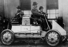 Lohner-Porsche, fyrhjulsdriven elbil från 1904. Borde nästan ge dubbelpoäng om man bortser från att Porsche vid den här tiden ännu inte var ett bilmärke.